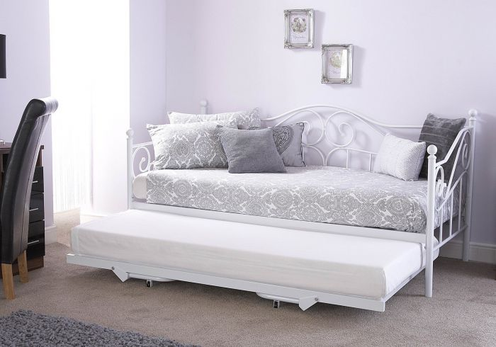 GFW Madison Day Bed With Trundle