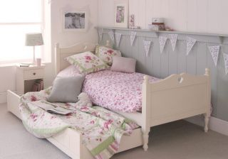 Little Folks Fargo Bed Frame With Carved Heart & Trundle